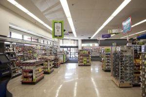 236238_retail-lighting-walgreens-stores_16f34275-bc87-46dd-976f-fd56944724bb-prv